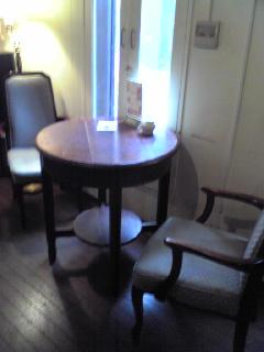 カフェ アノ 椅子
