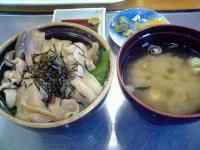 ぷらっとみなと市場ふじ十食堂ほっき丼1
