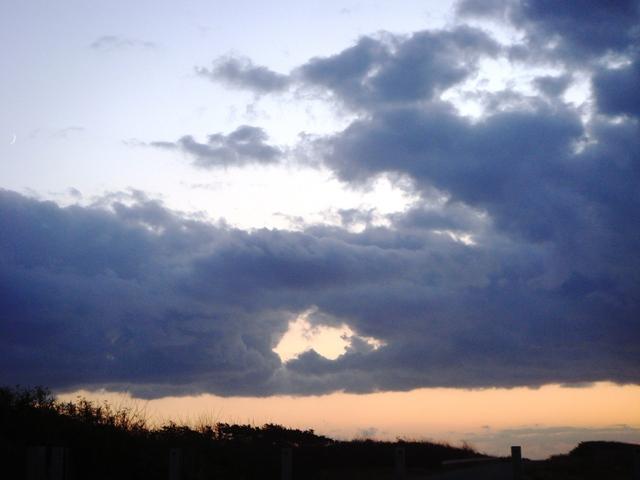 1-穴あき雲2008.11.01