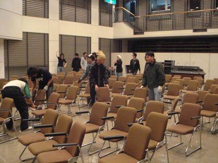 1-7椅子の準備