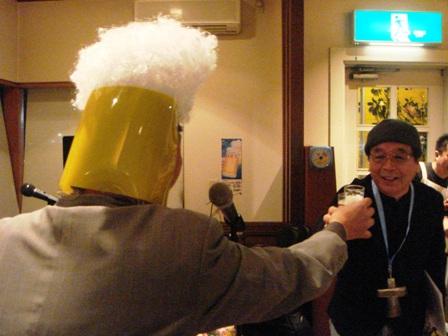 1-2.乾杯の音頭は謎のビールマン