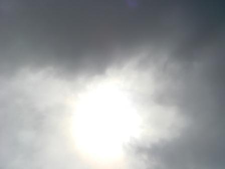 1-2雲が途切れると眩しい