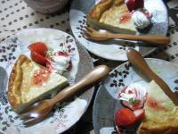 お茶菓子イチゴヨーグルケーキ