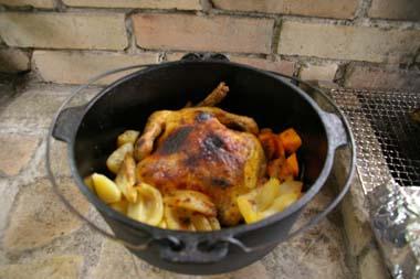 ダッチオーブンでチキン香草焼き