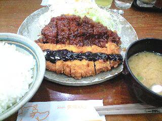 わらじとんかつ定食1575円
