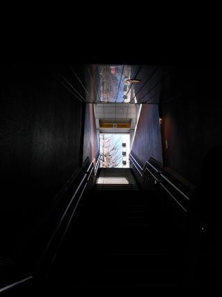 馬車道駅の出口