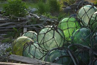 浮き球の墓場