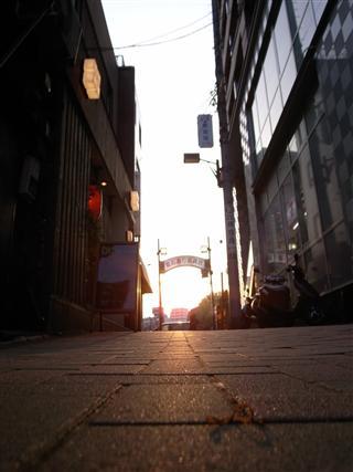 黄金色商店街ゲート