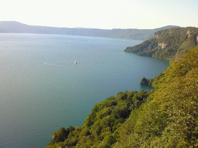十和田湖 (上からの景色)
