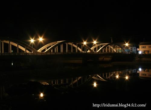 真夜中の橋 2