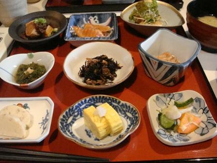 豆鉢八種膳