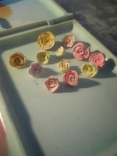 樹脂粘土薔薇 +白