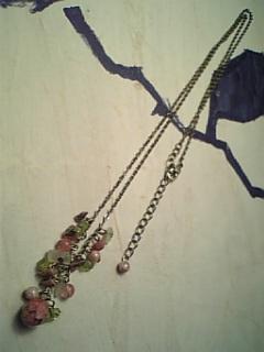 野薔薇のネックレス全体