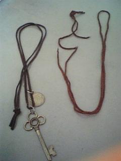 直し革紐ネックレス
