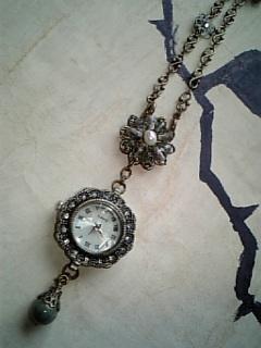 沼色時計の2wayネックレスup