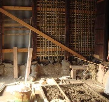 壁の竹小舞編み。