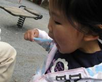 カキ氷、冷たくておいしい☆