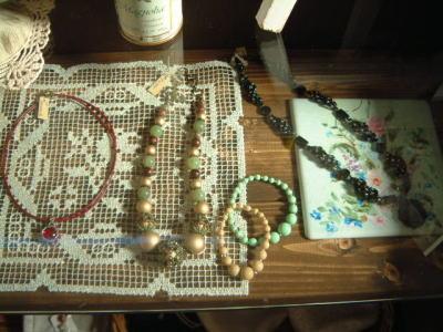 Beads-R01.jpg