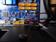 Antec P183 マザーボードの取り付け(2)