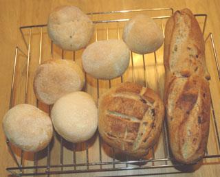 ルバーブジャム酵母のパンとイングリッシュマフィンもどきパン