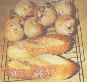 チョコチップパンベーグルとフランスパン