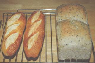 バタールと黒ゴマさつまいもパン