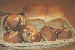 山食と全粒粉のパン