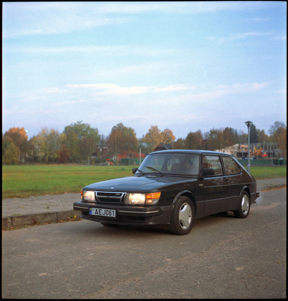 574px-Saab900t16sfr.jpg