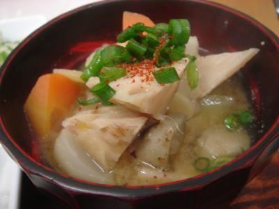 根菜味噌汁