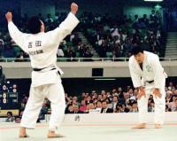 全日本選手権で先輩小川の連覇を阻止