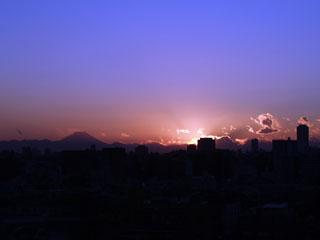大東京の夕暮れ