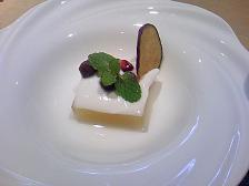りんごのゼリーヨーグルトソース