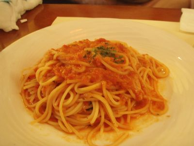 完熟トマトとモッツァレラのスパゲティー