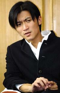 やっとニコさんが出てきたと思ったらこんな顔;好きなんですこの画像