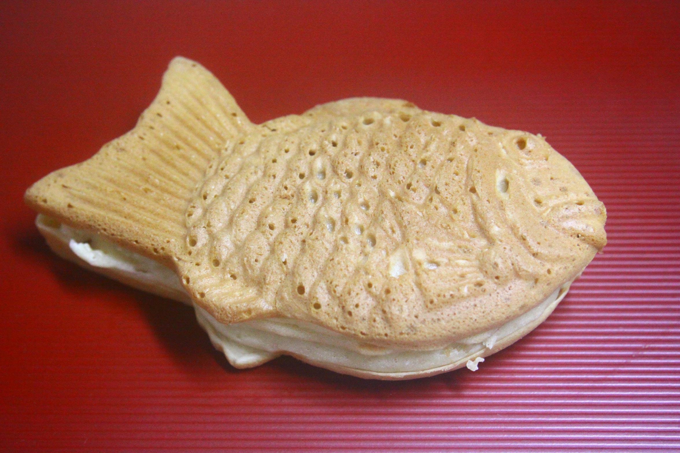 ブルメールHAT神戸の関西スーパ?のファーストフードの1つ50円だったおいしいたいやき