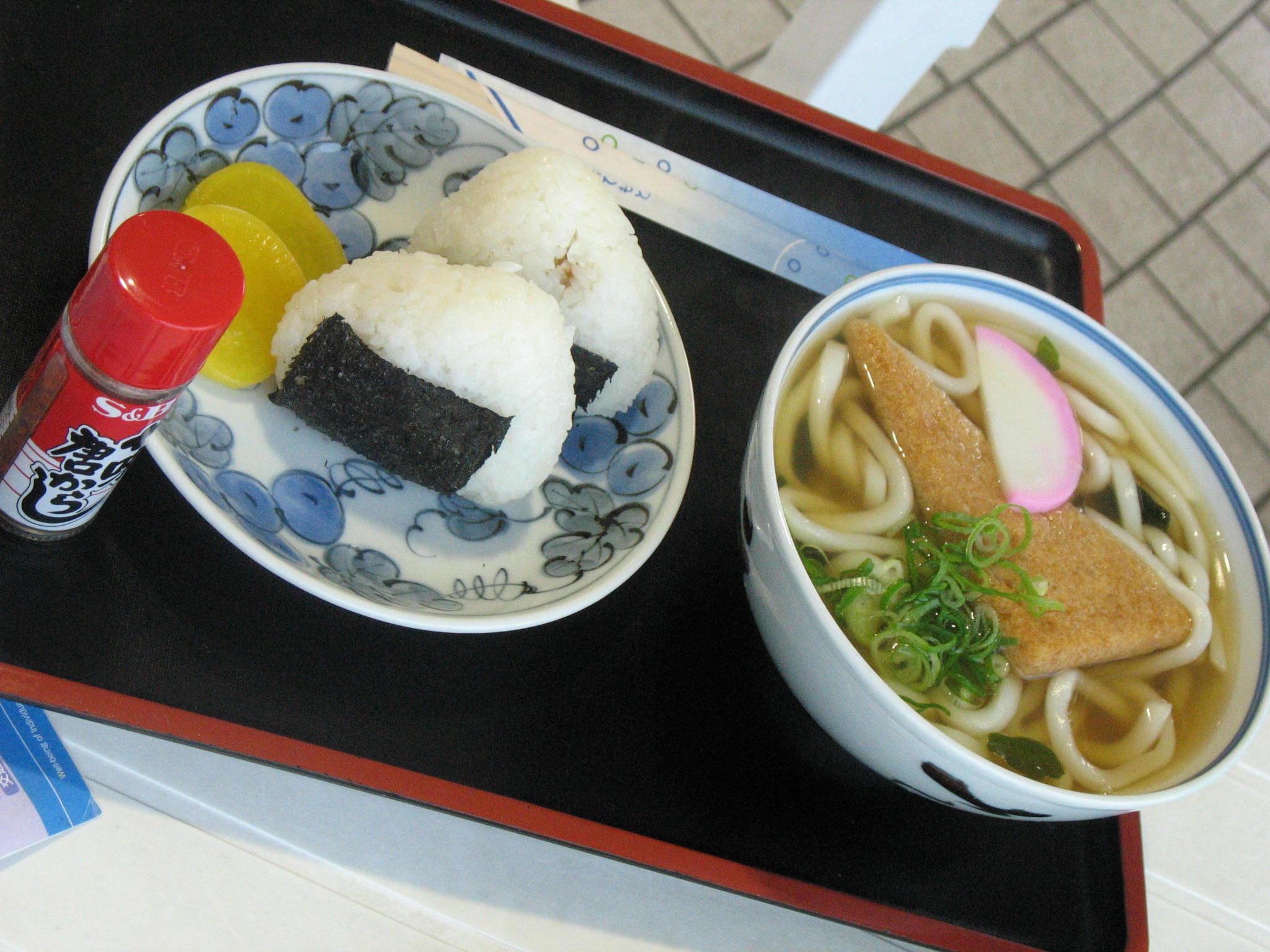 六甲アイランド神戸国際大学近くの海側レストラン