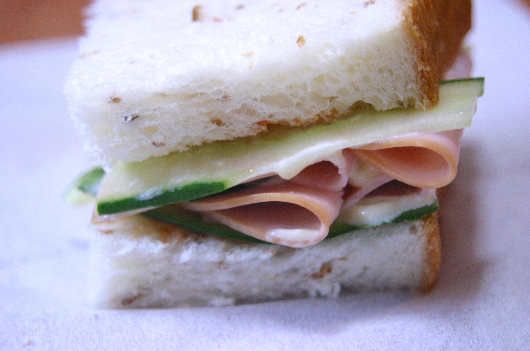 ブチサンドイッチ