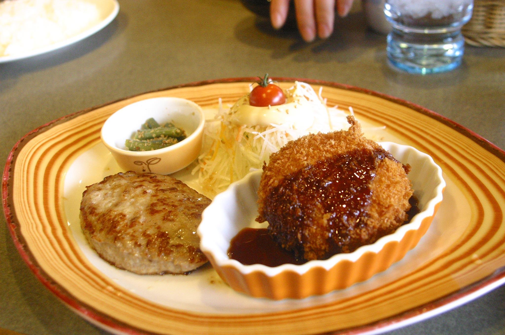 神戸サンシャインワーフ、ビックリドンキーの日替定食