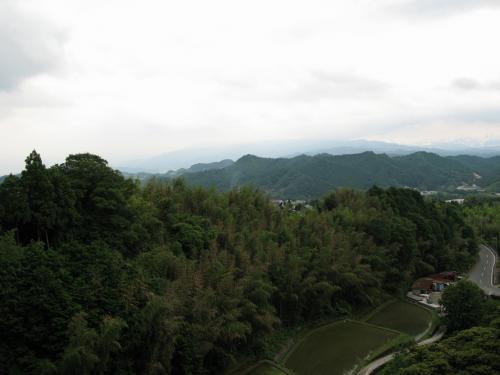 五条へ抜ける峠より奈良盆地をながむ