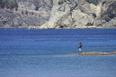 宮の浜釣人