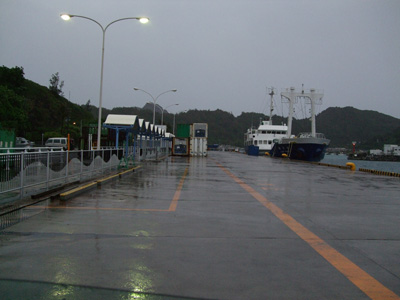 桟橋ゆり丸