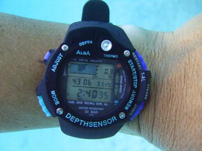 腕時計0830