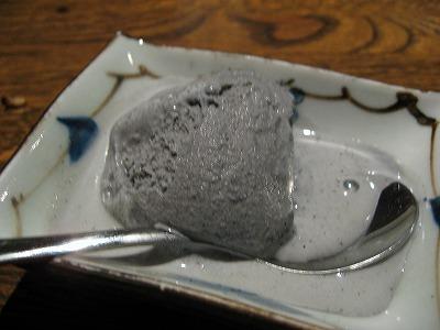 黒ゴマアイス