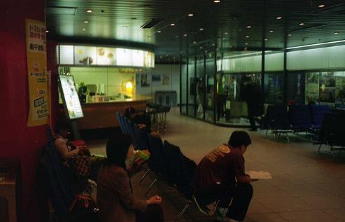 千歳空港の地下の売店
