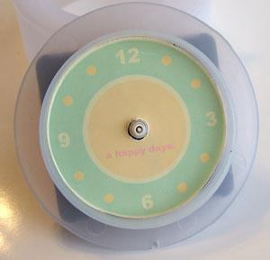 ディスプレイシールで時計をリメイク