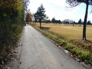 帰りは荒川沿いのゴルフ場を抜けて帰る。ココは道路もイイし、気持ちよく走れます。距離は3kmくらい?