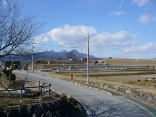 左を見ると、、あれは榛名山?