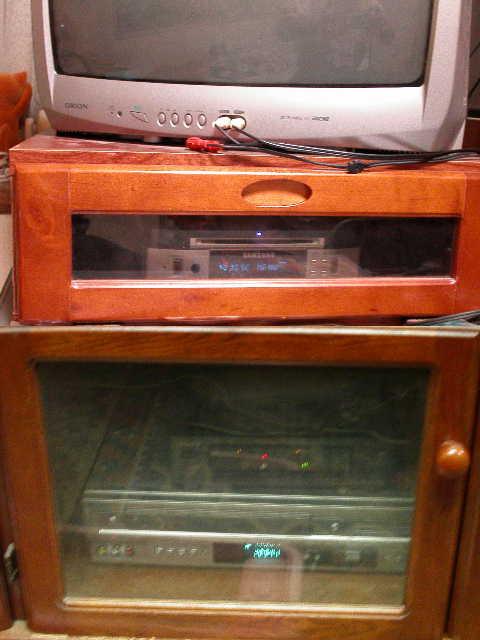 DVDプレーヤーの収納。