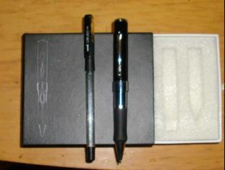 やけに太いボールペンです。。。