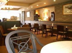 1階のカフェ:店内